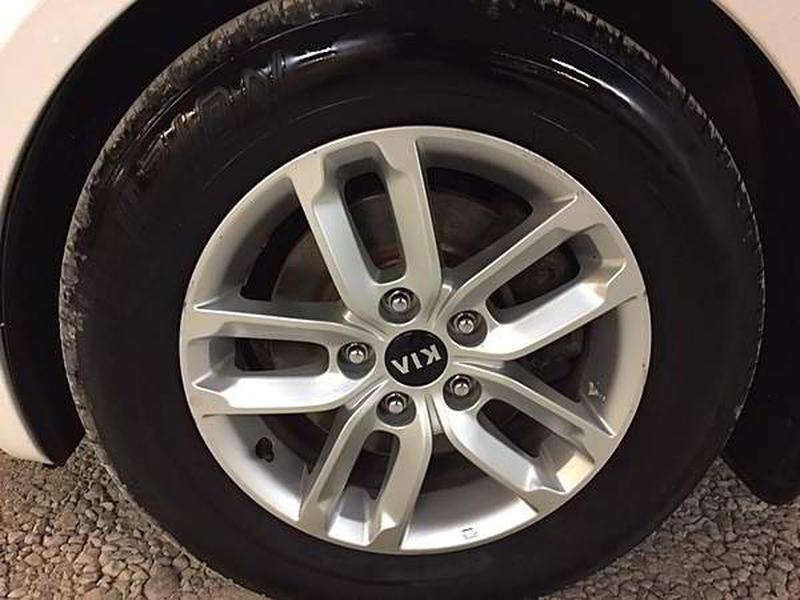 Kia Optima 2013 price $1,999