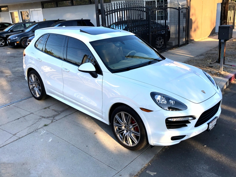Porsche Cayenne 2013 price $36,995