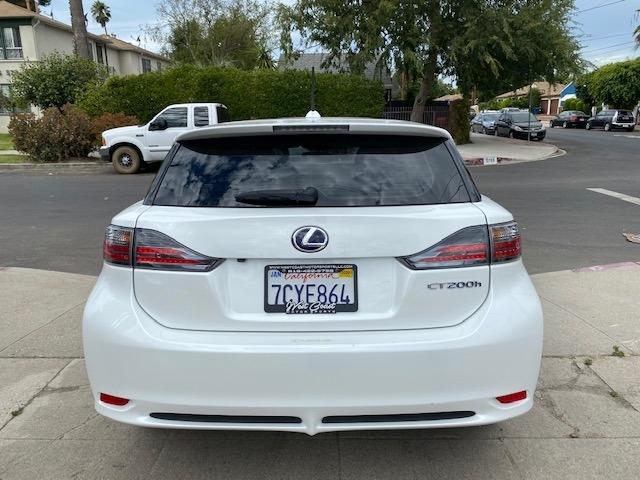 Lexus CT 200h 2013 price $14,495