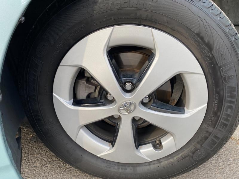 Toyota Prius 2013 price $12,270