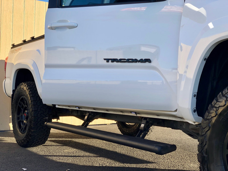 Toyota Tacoma 2018 price $33,250