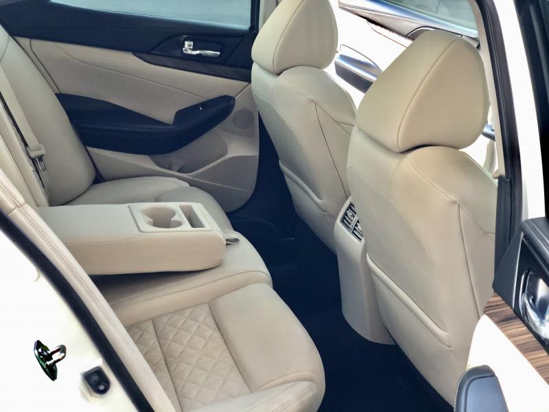 Nissan Maxima 2016 price $17,800