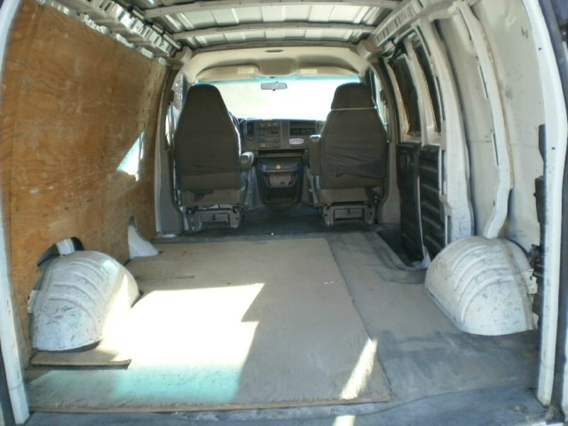 GMC Savana Cargo Van 2005 price $8,980