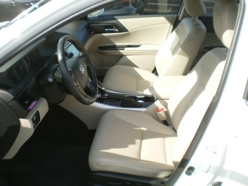 Honda Accord Sedan 2015 price $19,980