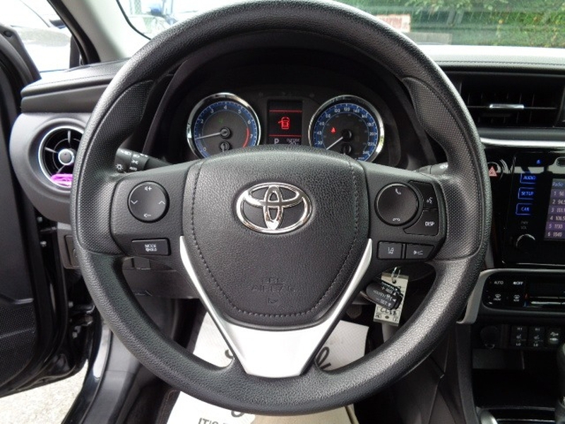 Toyota Corolla 2017 price $16,580