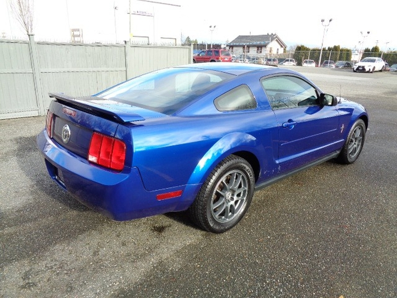 Ford Mustang 2005 price $5,980
