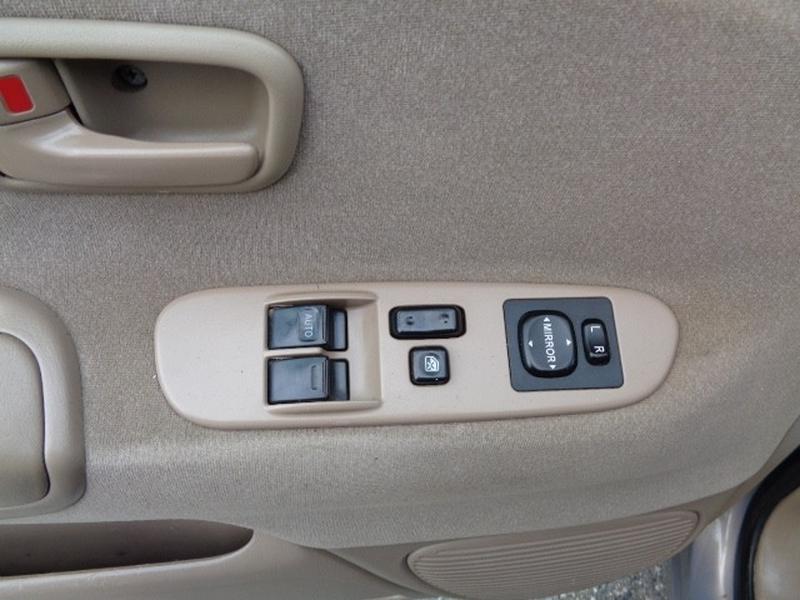 Toyota Tundra 2000 price $9,980