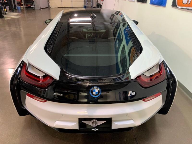 BMW i8 Mega AWD Hybrid 2015 price $69,500