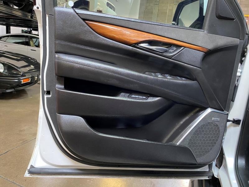 Cadillac Escalade ESV 2016 price $49,500
