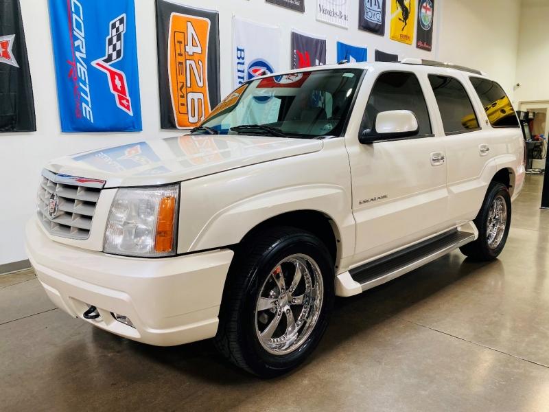 Cadillac Escalade 2005 price $8,900