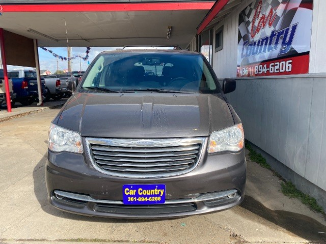 Chrysler Town & Country 2015 price $11,900