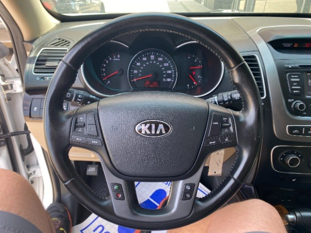 Kia Sorento 2014 price $11,750