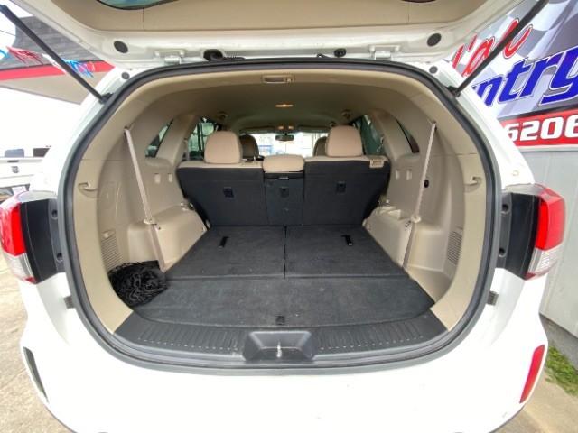 Kia Sorento 2014 price $10,900