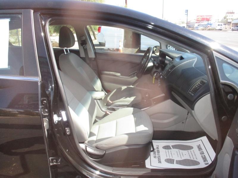 Kia Forte 5-Door 2014 price $7,995