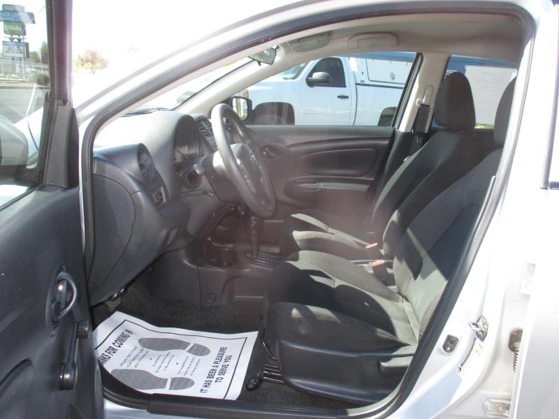 Nissan Versa Sedan 2018 price $9,995