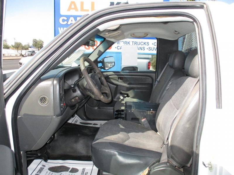 Chevrolet Silverado 2500 2006 price $10,995