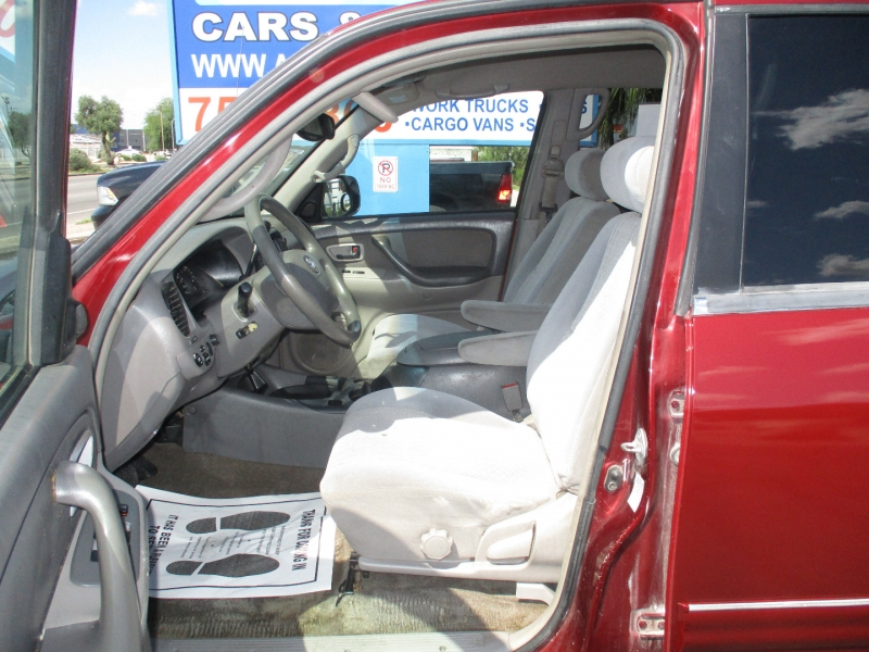 Toyota Tundra 2004 price $11,995