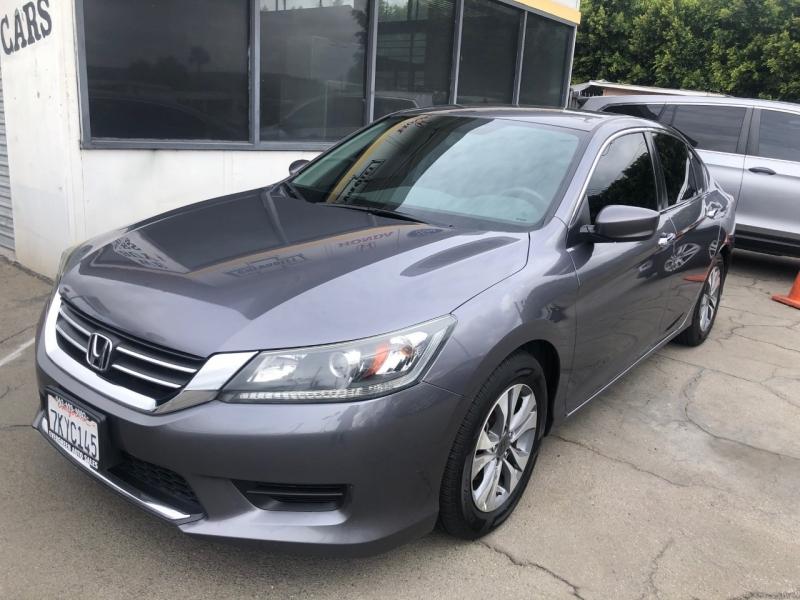 Honda Accord Sedan 2015 price $11,995
