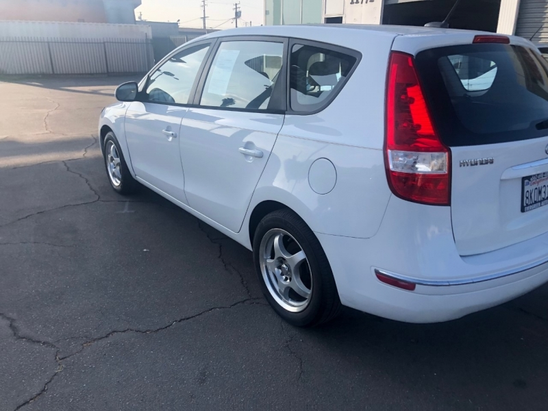 Hyundai Elantra Touring 2011 price $6,995