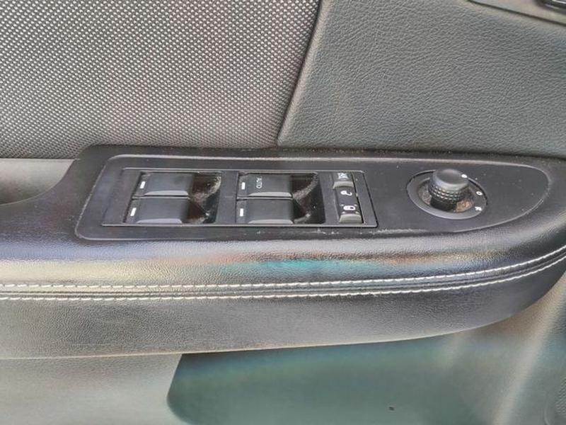 Dodge Avenger 2013 price $7,695