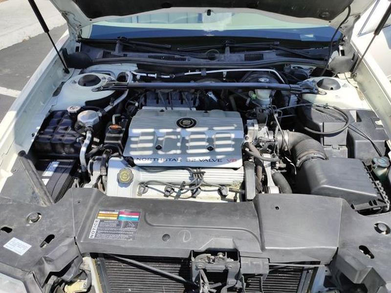 Cadillac DeVille 1999 price $4,995