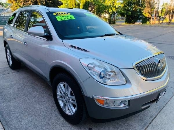 Buick Enclave 2009 price $6,900