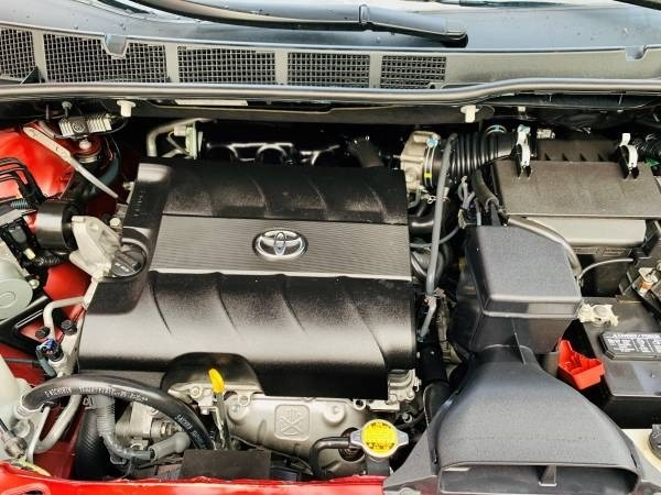 Toyota Sienna 2011 price $29,900