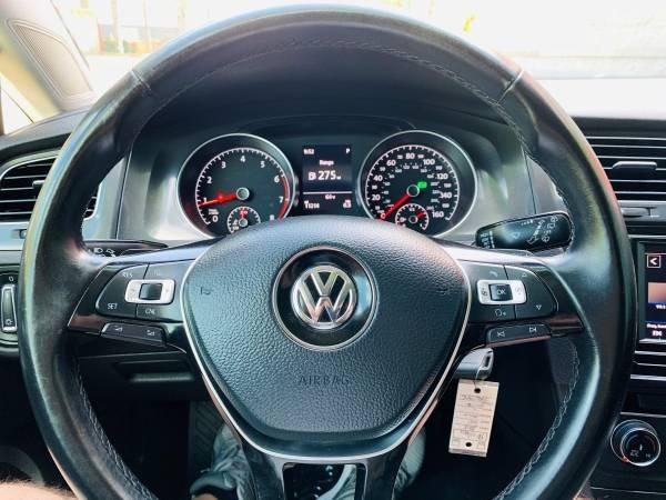 Volkswagen Golf SportWagen 2018 price $16,800