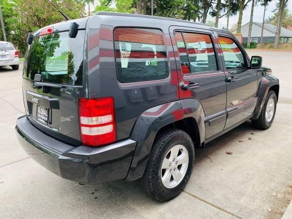 Jeep Liberty 2011 price $6,800