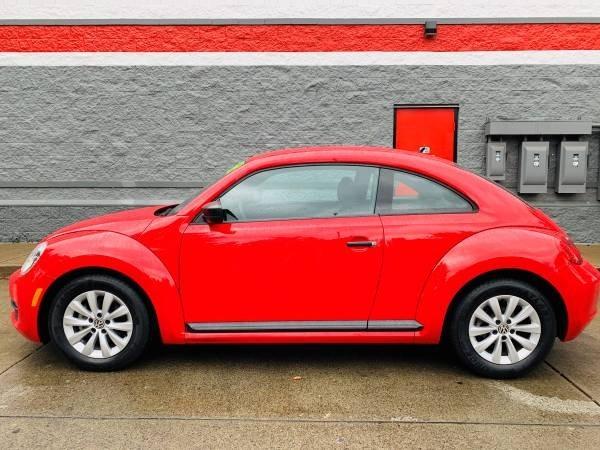 Volkswagen Beetle Coupe 2014 price $9,800