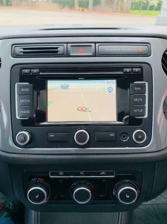 Volkswagen Tiguan 2012 price $7,900