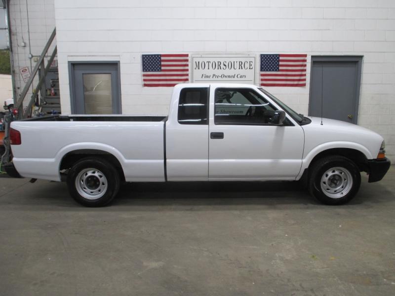 Chevrolet S-10 2003 price $5,450