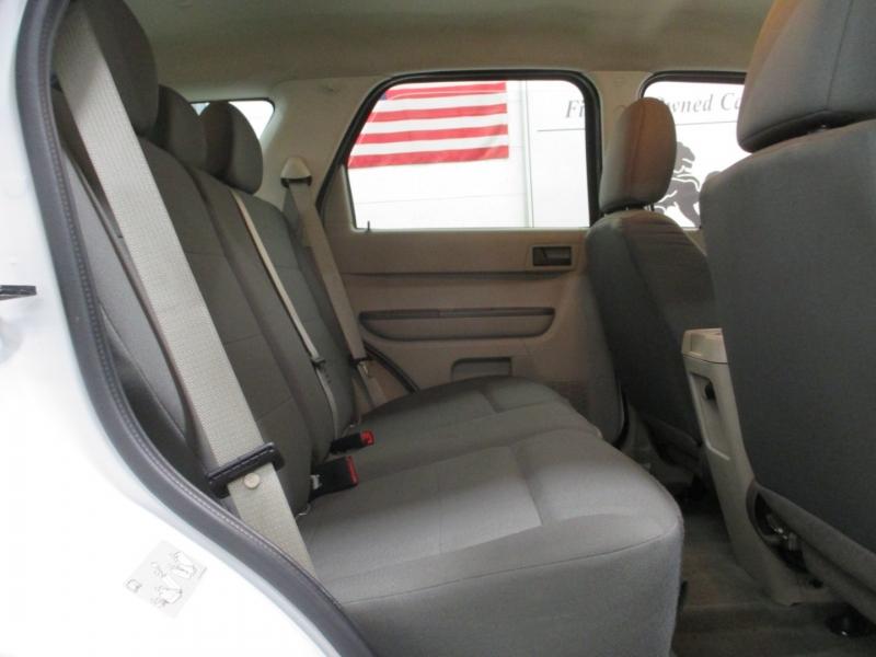 Ford Escape 2010 price $7,950