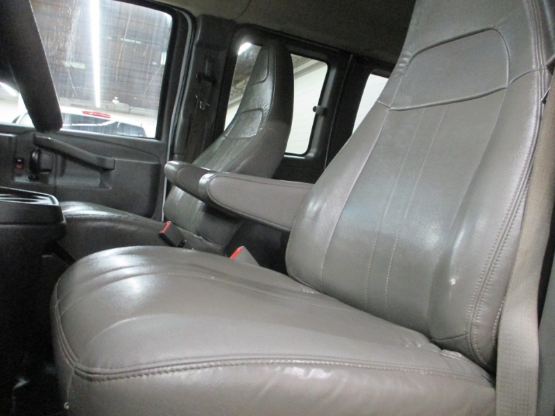 Chevrolet Express Passenger 2017 price $12,450