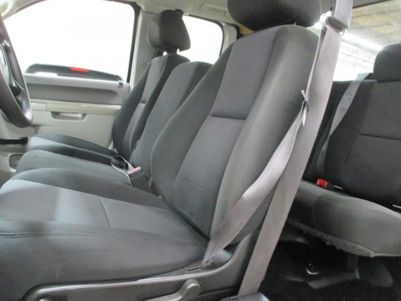 Chevrolet Silverado 2500HD 2011 price $10,950