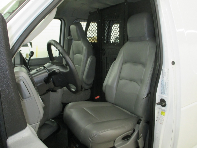 Ford Econoline Cargo Van 2009 price $12,450
