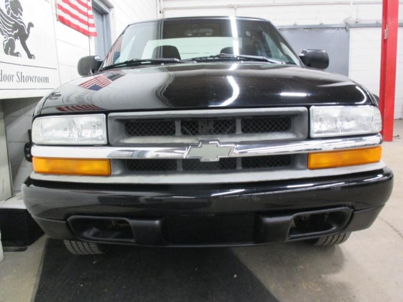 Chevrolet S-10 2003 price $9,950