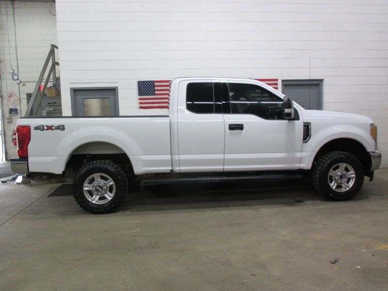 Ford Super Duty F-250 XLT 4WD 2017 price $32,950