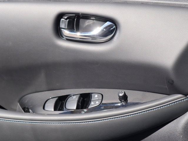 Nissan LEAF 2020 price $31,220