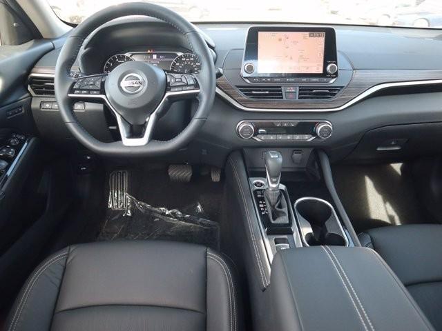 Nissan Altima 2021 price $32,458