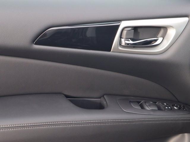 Nissan Pathfinder 2020 price $29,211
