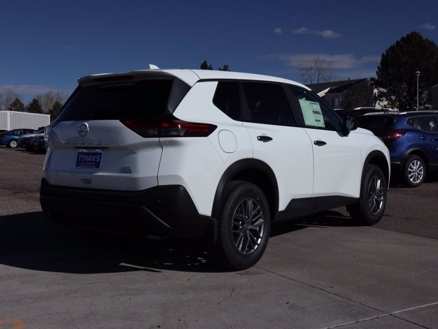 Nissan Rogue 2021 price $28,210