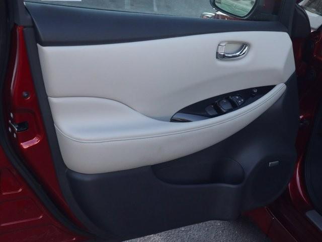 Nissan LEAF 2019 price $22,397