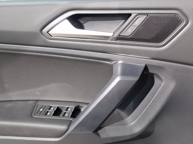 Volkswagen Tiguan 2021 price $31,856