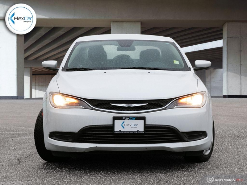 Chrysler 200 2016 price $9,900