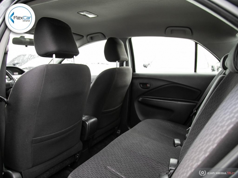Toyota Yaris 2009 price $5,888