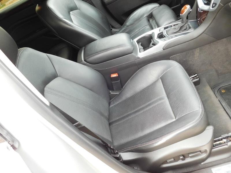 Cadillac SRX 2015 price $14,999