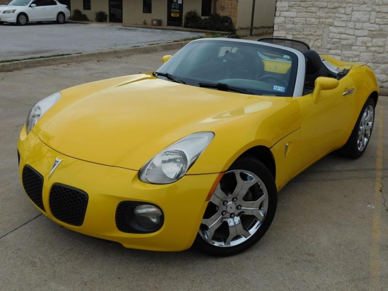 Pontiac Solstice 2007 price $6,999