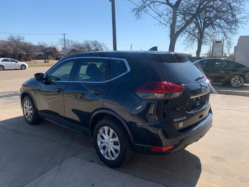 Nissan Rogue 2018 price $9,499
