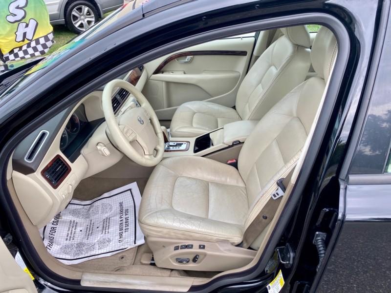 VOLVO XC70 2008 price $5,450